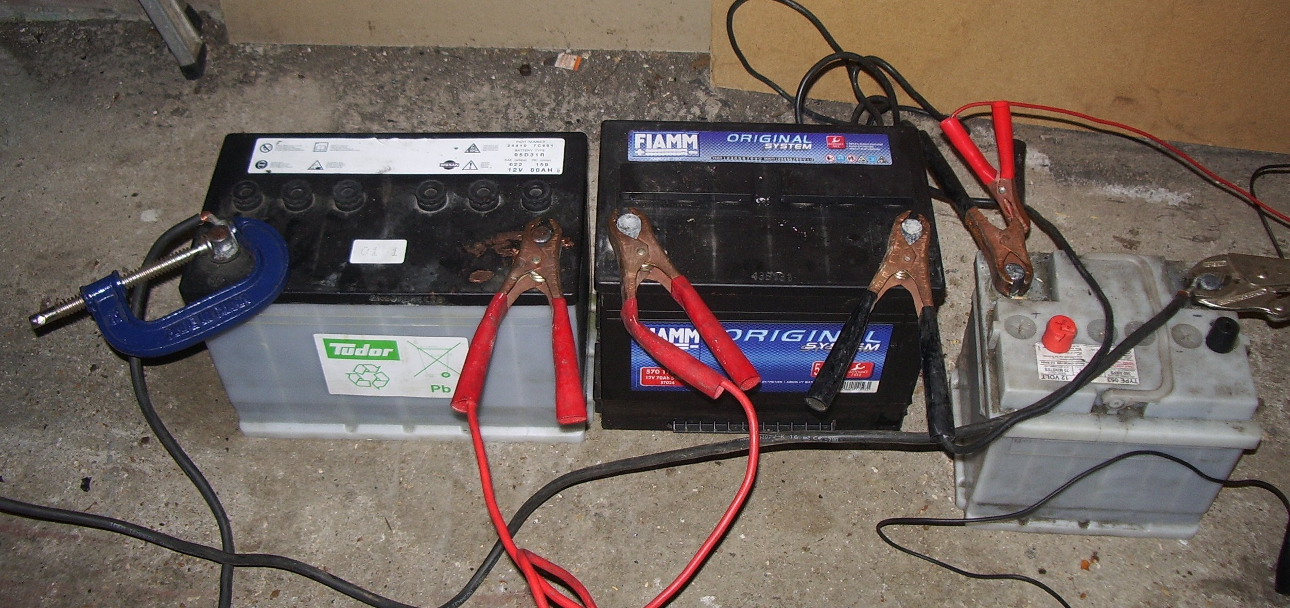 welding, the voltage about the main electric batteries